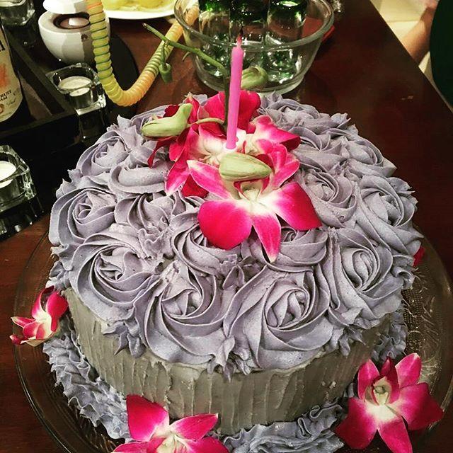 Wauw what a cake - perfect choice for  Arabian Shisha night