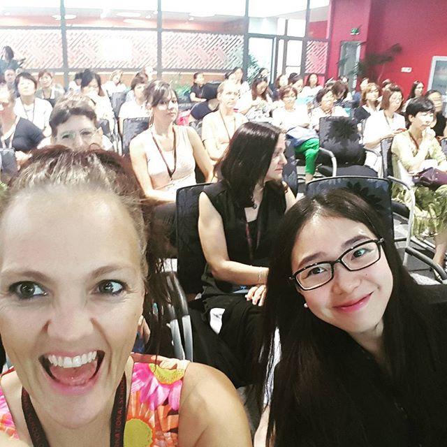 Til skoleårets første møde i den såkaldte parent faculty organisation på børnenes  #internationalschooloftianjin, hvor jeg det næste år bl.a. står for skolens forældre blog. Fed mulighed for at møde mødre fra hele verden og komme endnu tættere på den skole, som når alt andet har været lort med lort på her i Kina har holdt modet oppe på os alle. Elsker den og hele det internationale miljø der er omkring den.#expatlife #expatlifeinchina #internationalschool