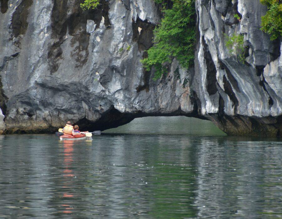 Mini cruise Halong Bay