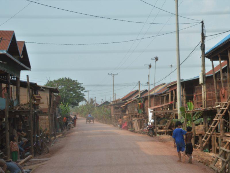 """Bæredygtig turisme — Besøg i """"flydende"""" landsby i Cambodia"""