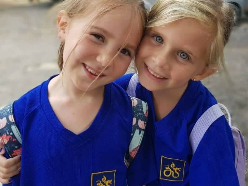Danske børn i udlandet: Hvad gør man, når den internationale skole ligger på den anden side af øen?